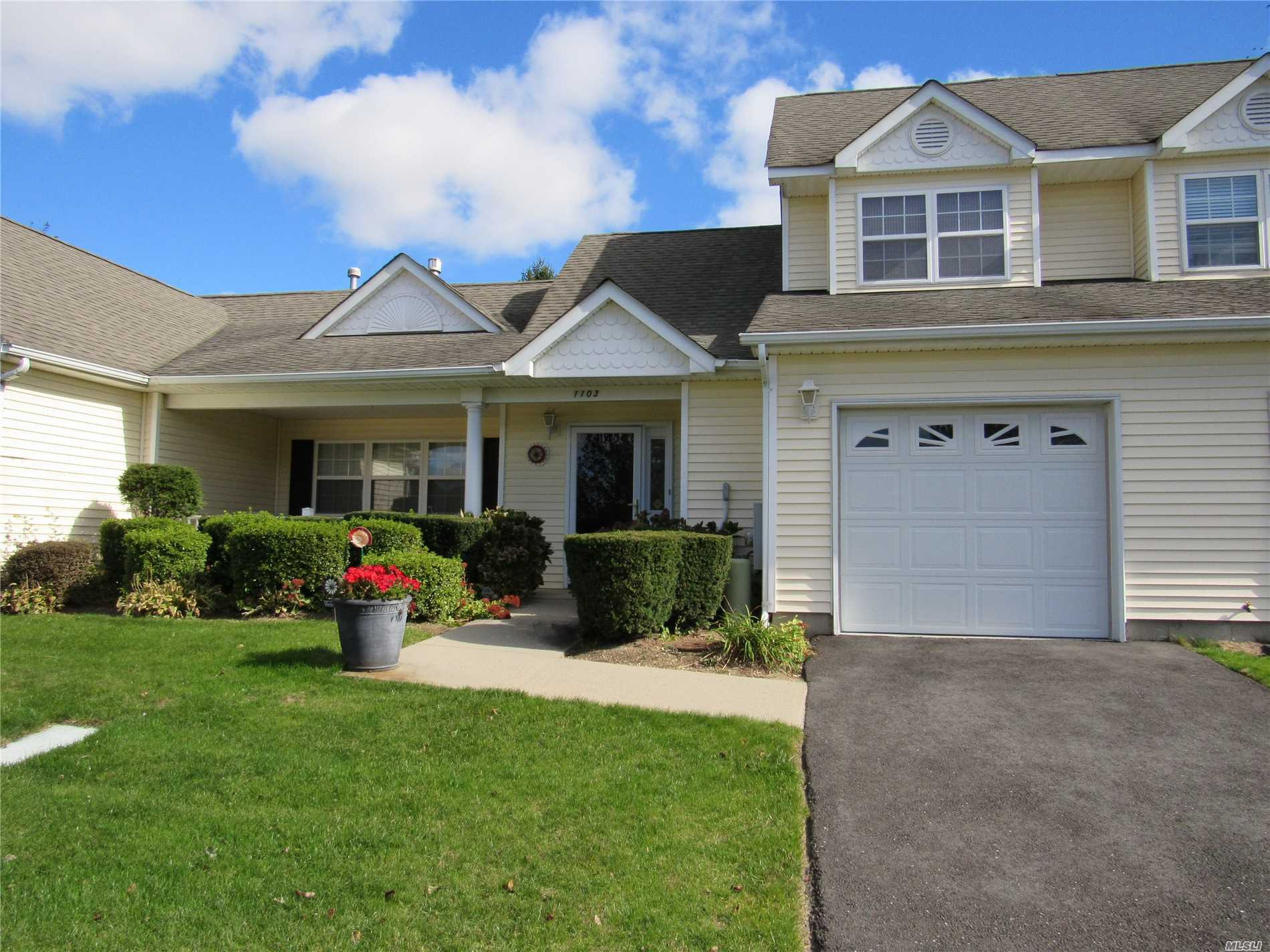 Property for sale at 1103 Pebble Beach Path, Riverhead,  NY 11901