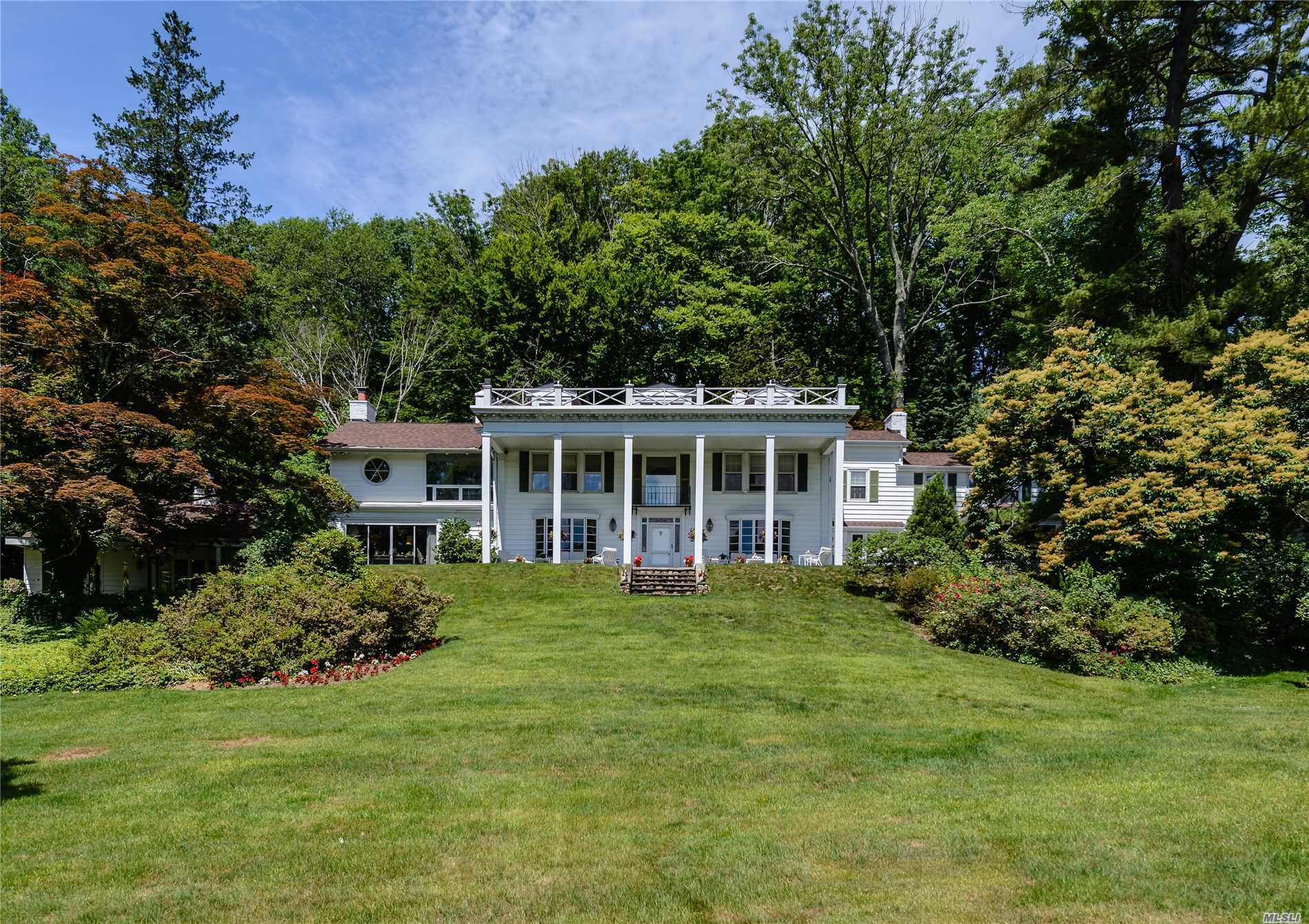 Photo of home for sale at 450 Oyster Bay Rd, Locust Valley NY