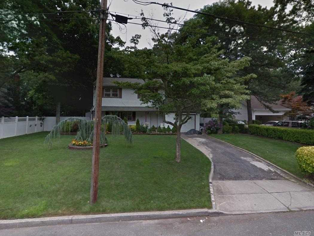 Photo of home for sale at 65 Montauk Ave, Brentwood NY