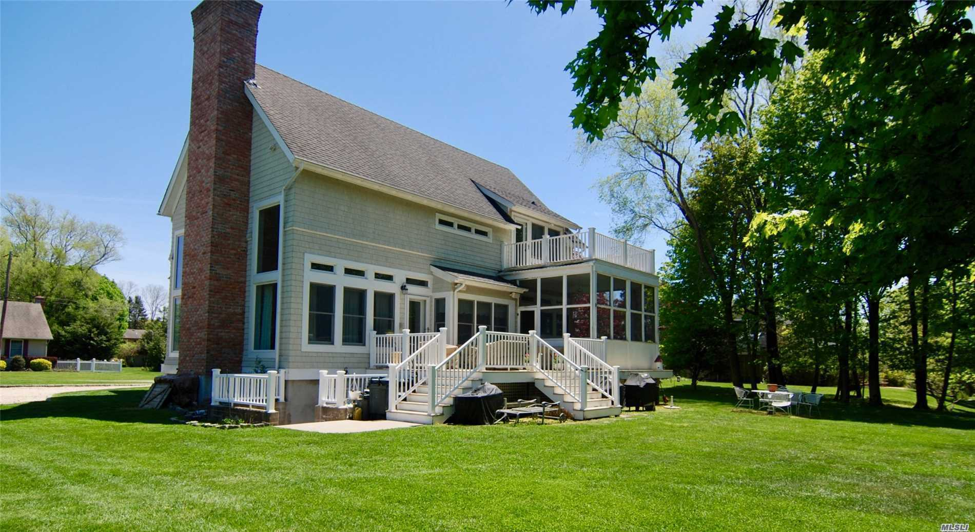 Photo of home for sale at 200 Gin Ln, Southold NY