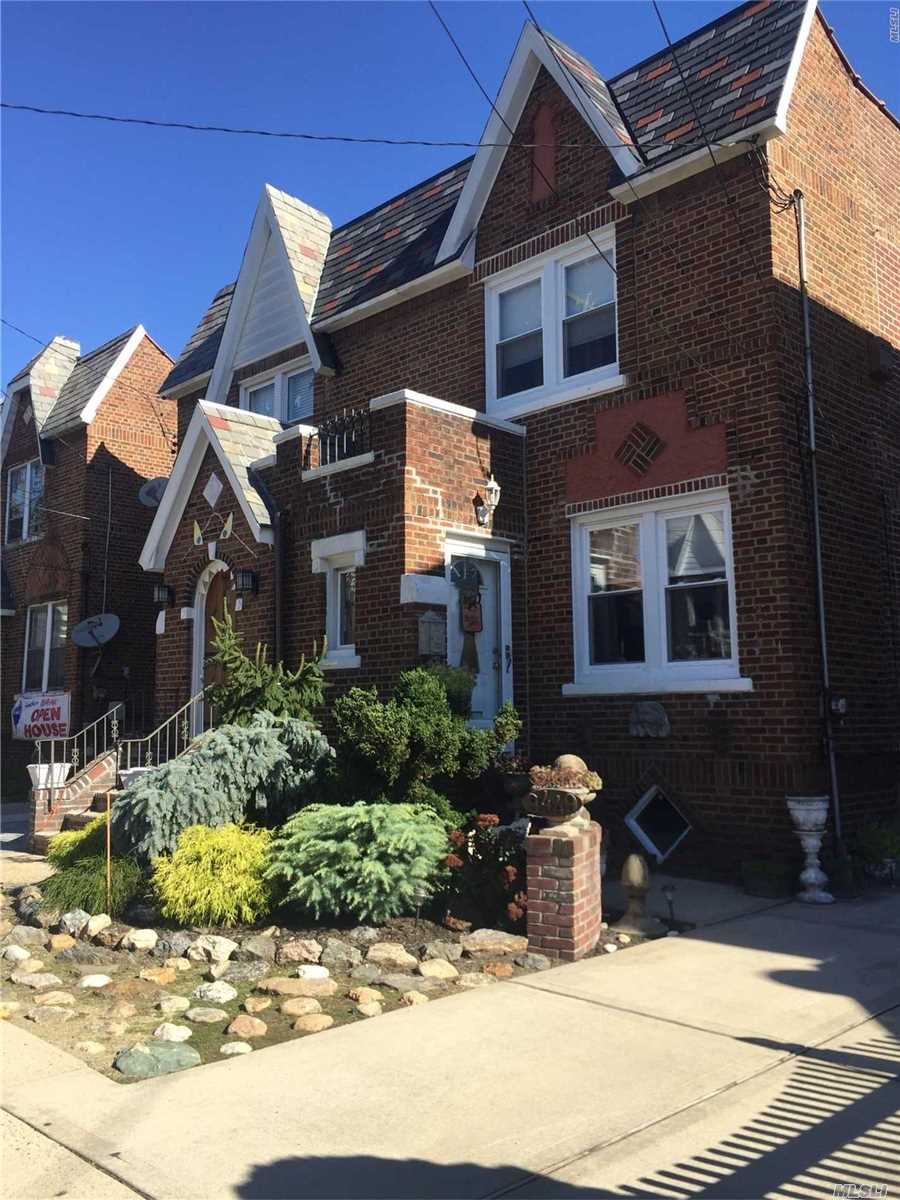Photo of home for sale at 94-49 239 St, Floral Park NY