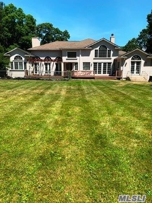 Property for sale at 39 Dunlop Rd, Huntington,  New York 11743