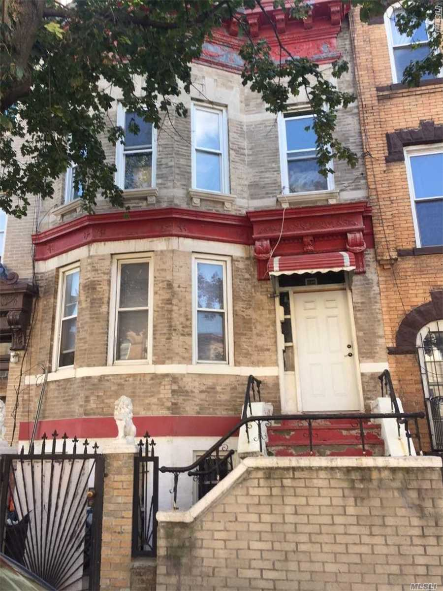 Photo of home for sale at 220 Schaefer St, Bushwick NY