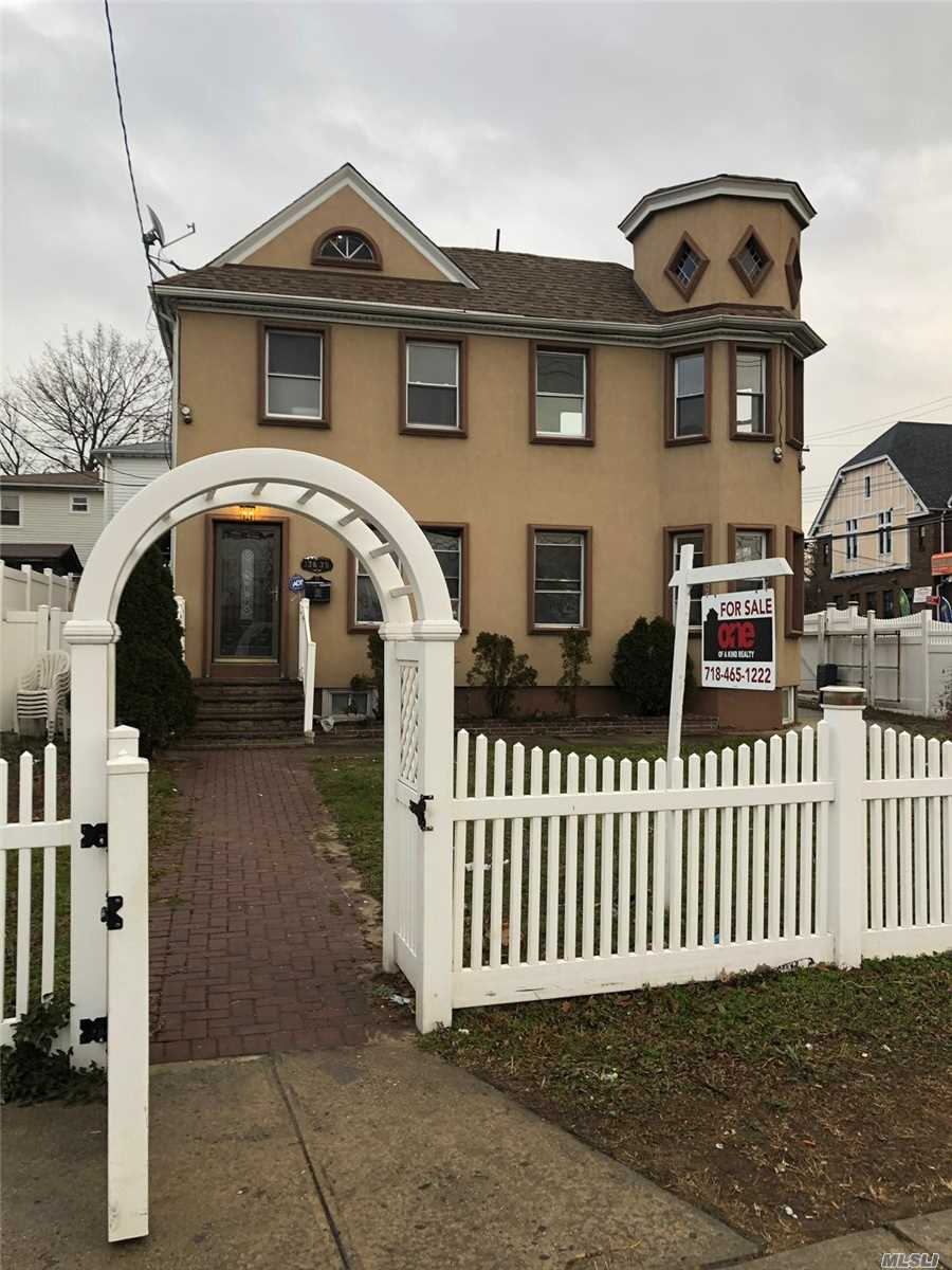 Photo of home for sale at 136-39 Springfield Blvd, Laurelton NY
