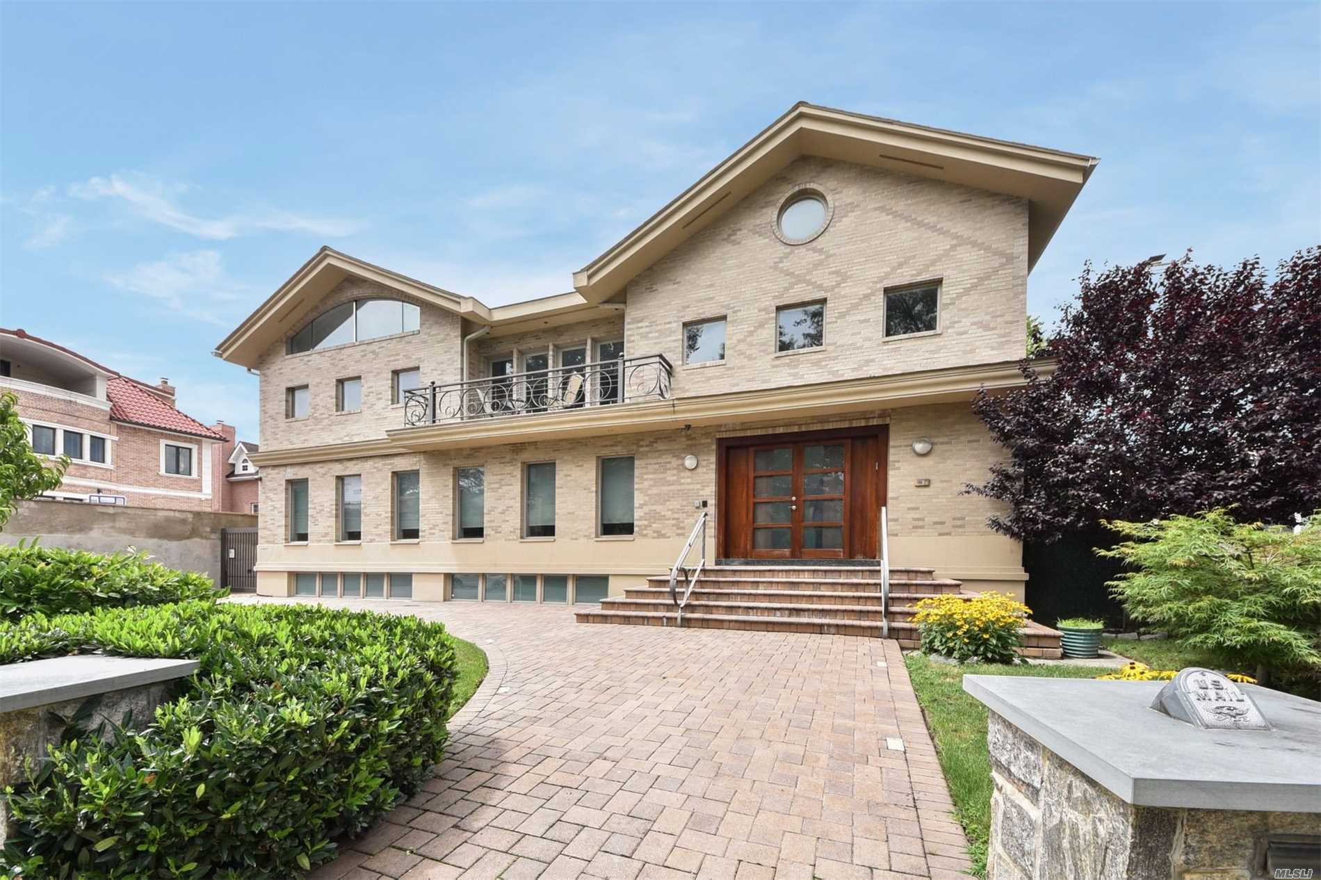 Photo of home for sale at 184-27 Tudor Road, Jamaica Estates NY