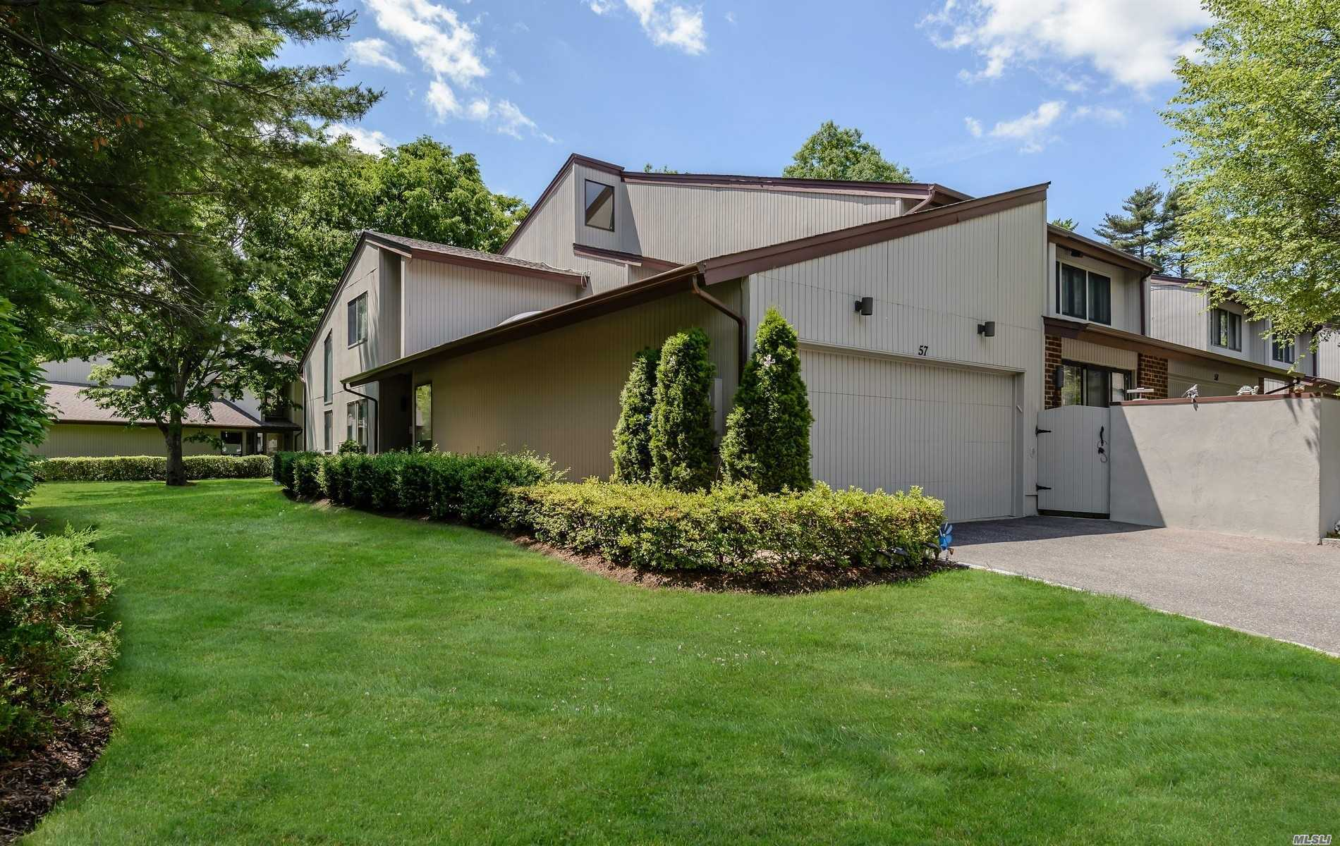 Property for sale at 57 Foxwood Dr, Jericho,  NY 11753