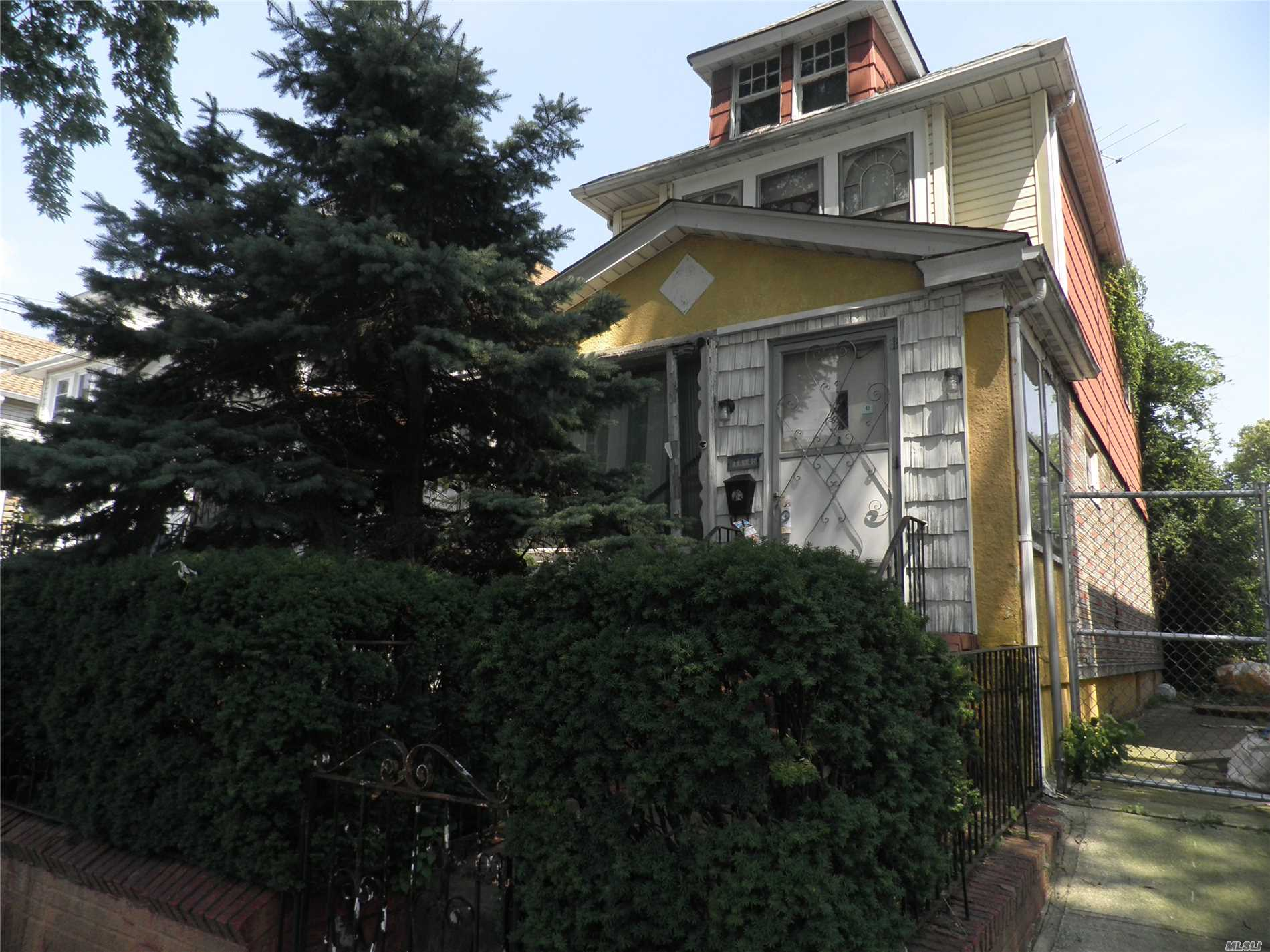 Photo of home for sale at 114-45 Inwood St, Jamaica NY
