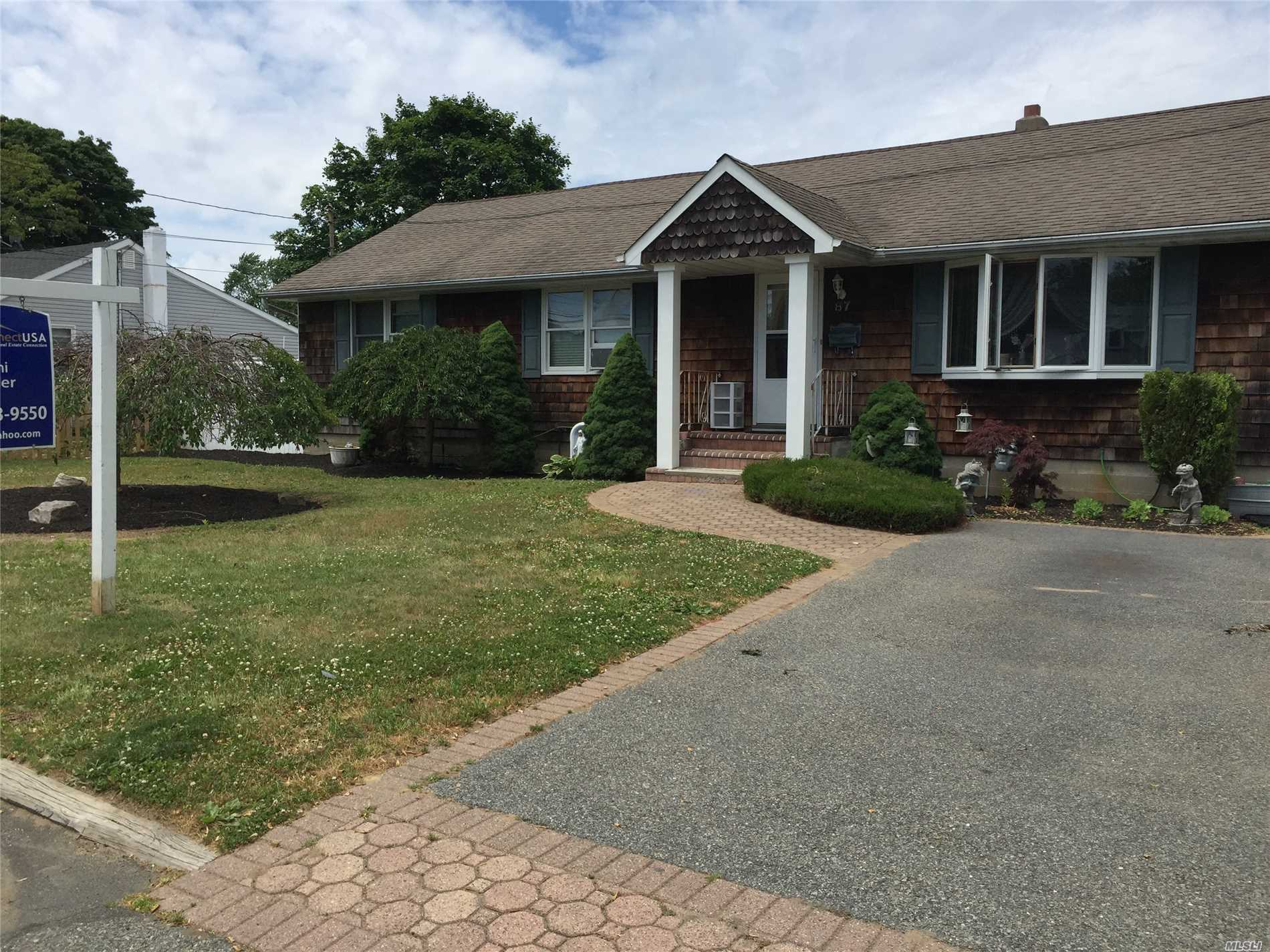 Photo of home for sale at 87 15th St, West Babylon NY