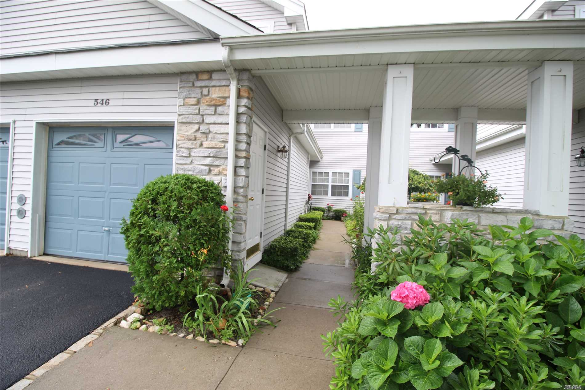 Property for sale at 546 Highland Ct, Moriches,  NY 11955
