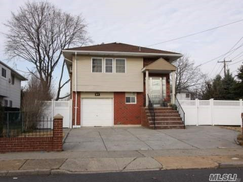 Photo of home for sale at 58 Genesee St, Hicksville NY