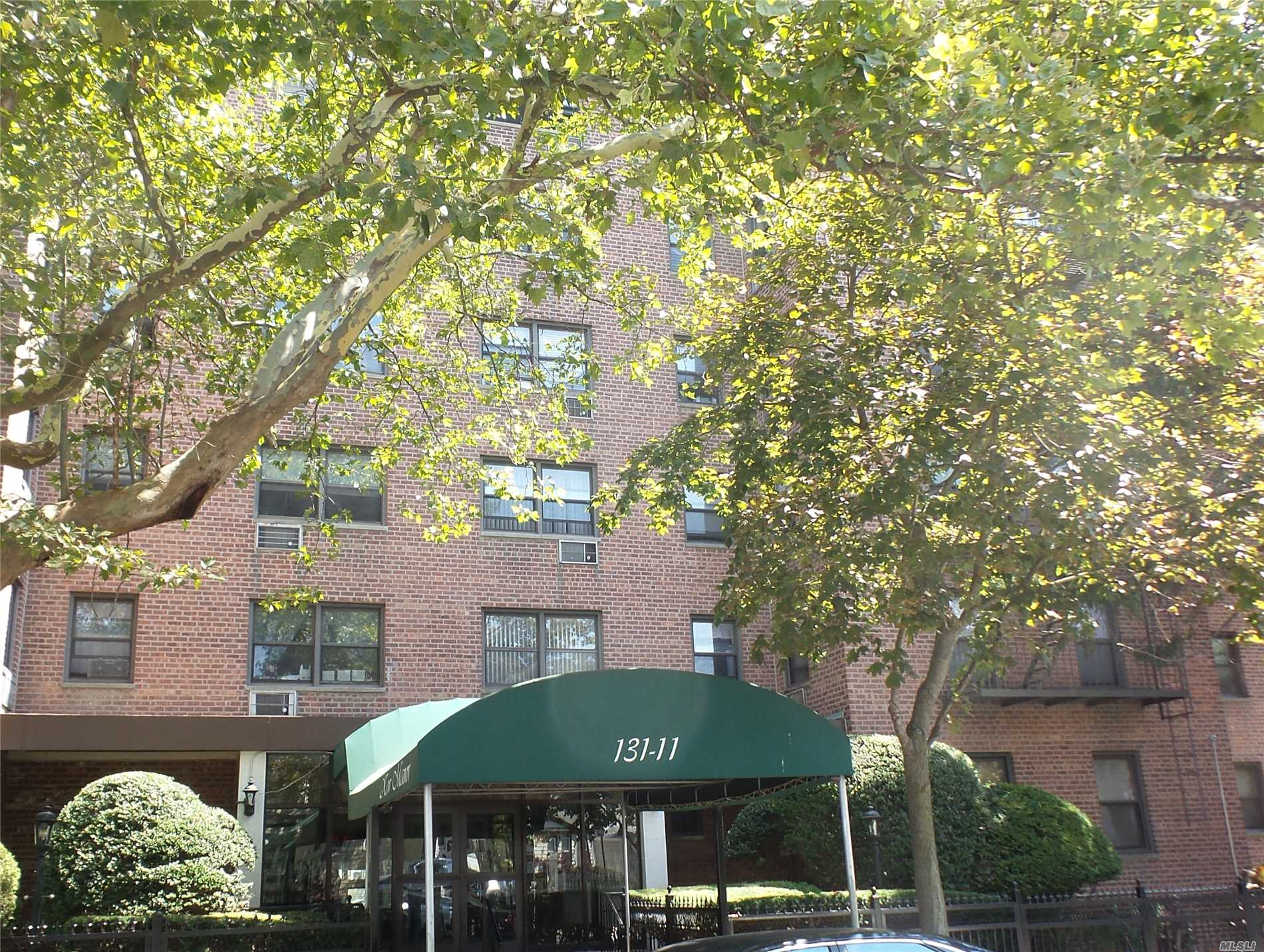 Photo of home for sale at 131-11 Kew Gardens Rd, Kew Gardens NY
