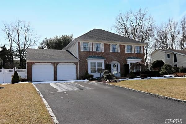 Property for sale at 25 Timber Ridge Dr, Commack,  New York 11725