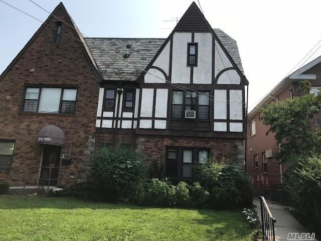 Photo of home for sale at 39-11 210th St, Bayside NY