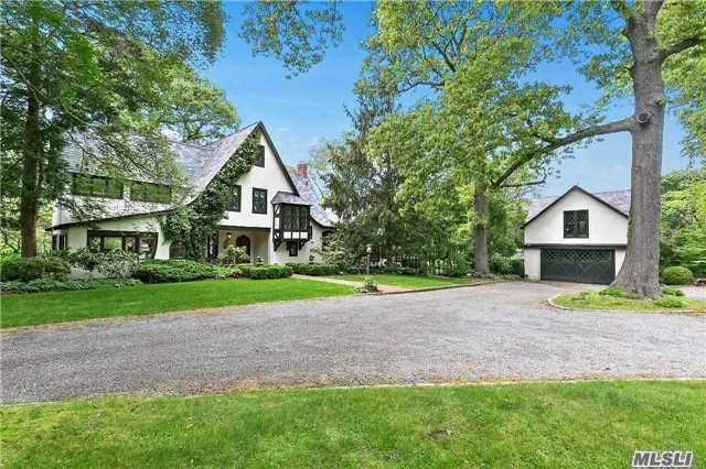 Photo of home for sale at 1 Harborview Rd, Belle Terre NY