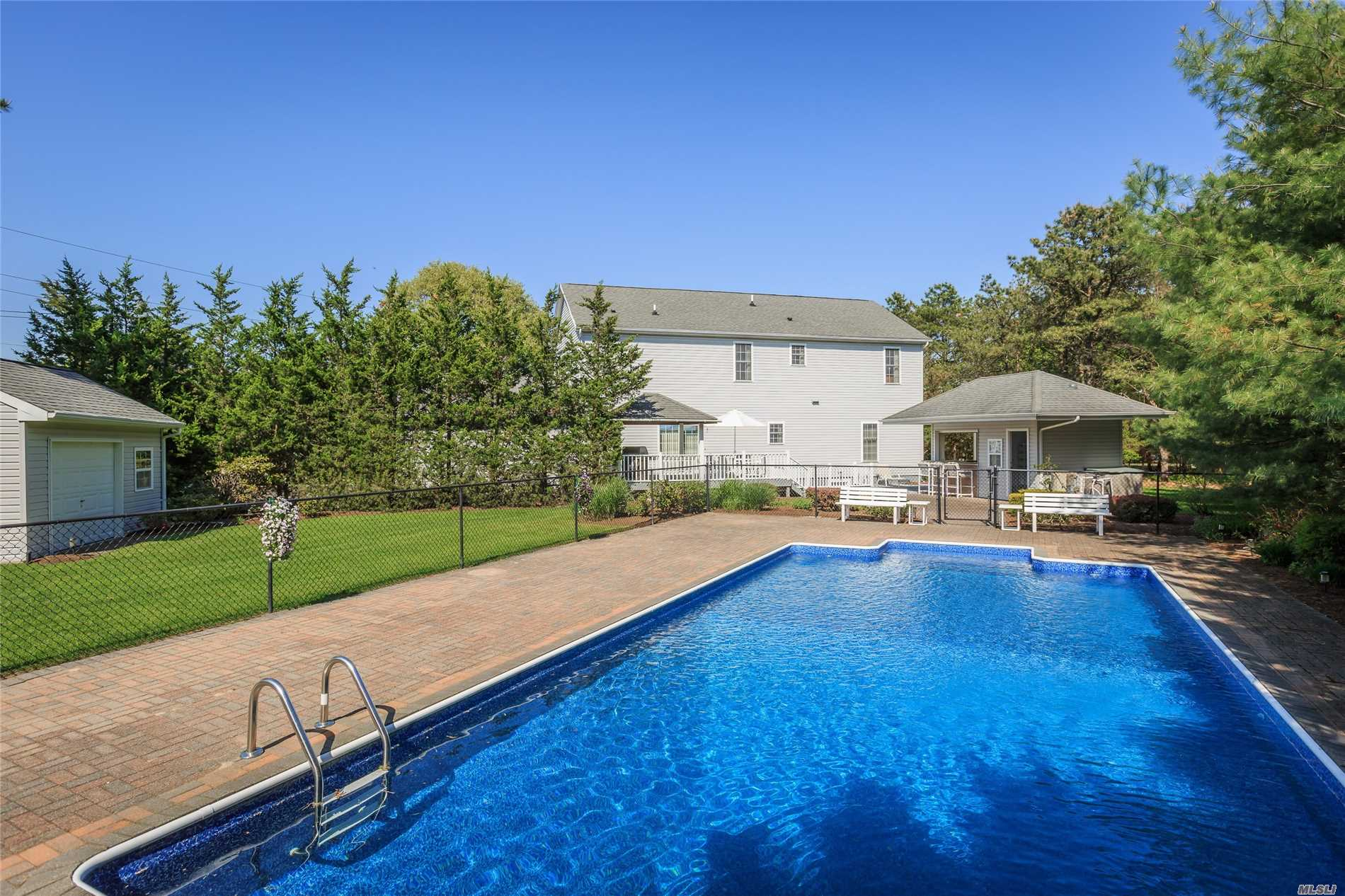 Photo of home for sale at 48 Station Rd, Westhampton NY