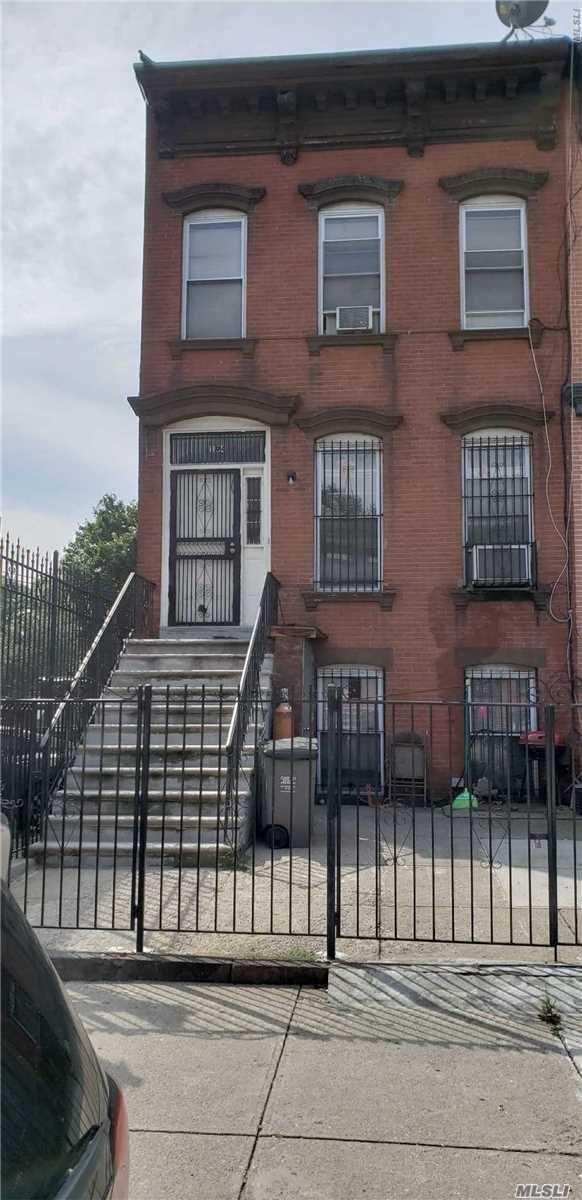 Photo of home for sale at 194 Kosciusko St, Brooklyn NY