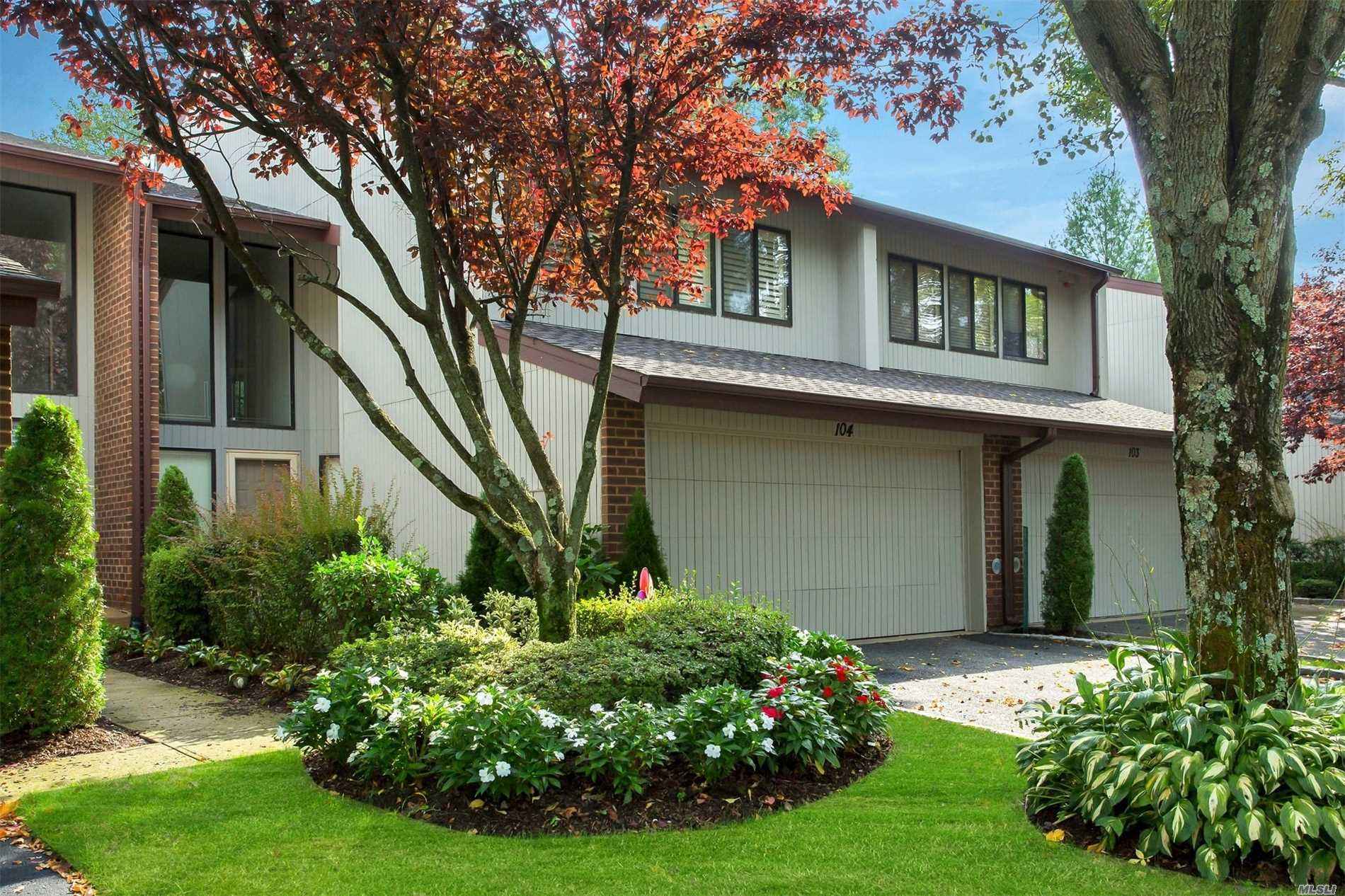 Photo of home for sale at 104 Foxwood Dr, Jericho NY