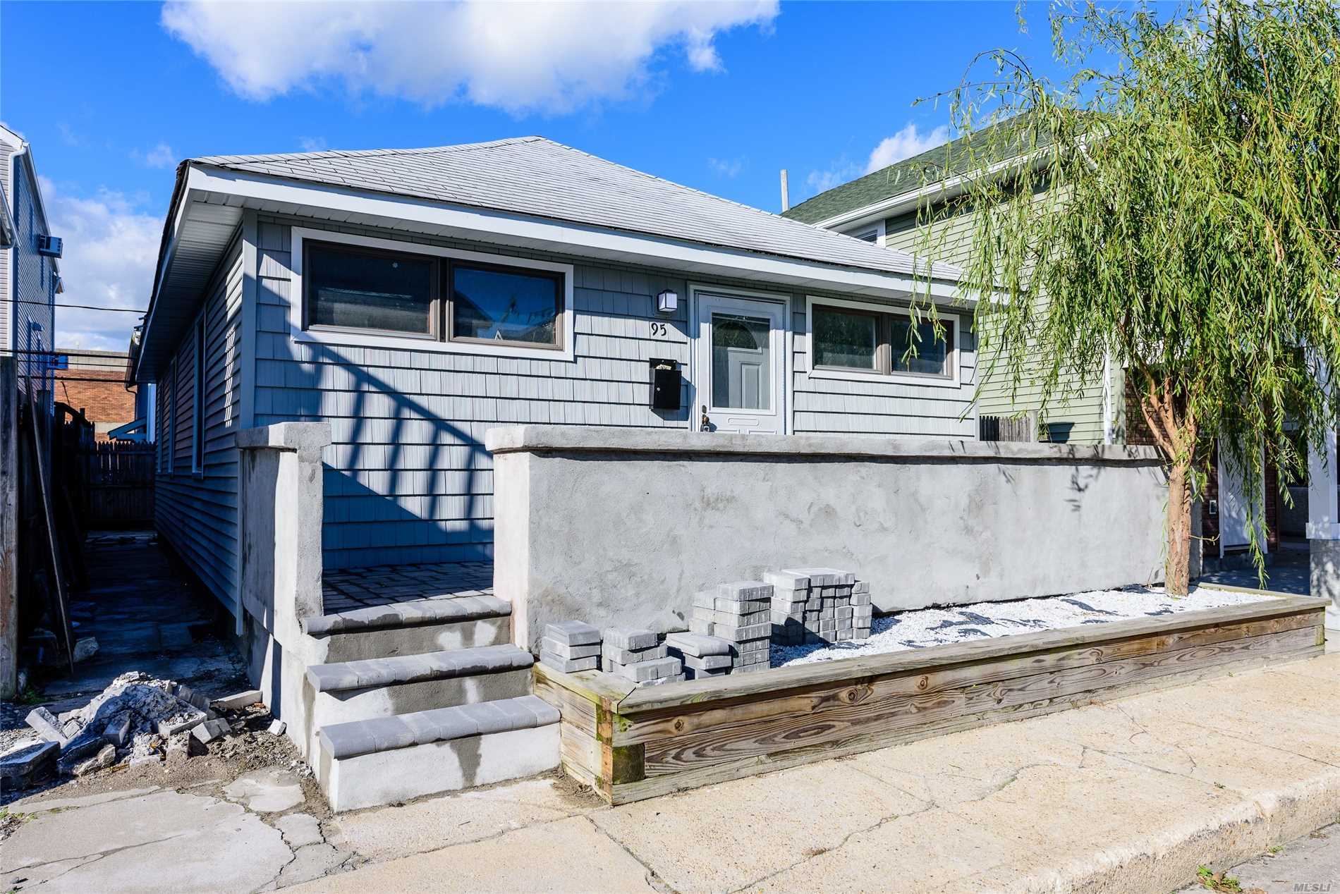 Photo of home for sale at 95 Michigan St, Long Beach NY