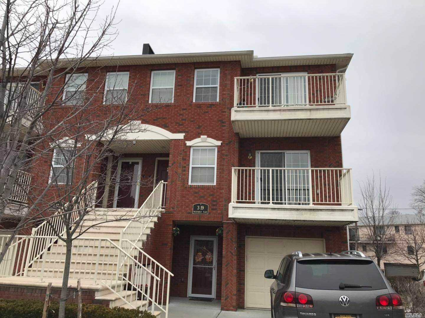 Photo of home for sale at 3-19 Weatherly Pl, College Point NY