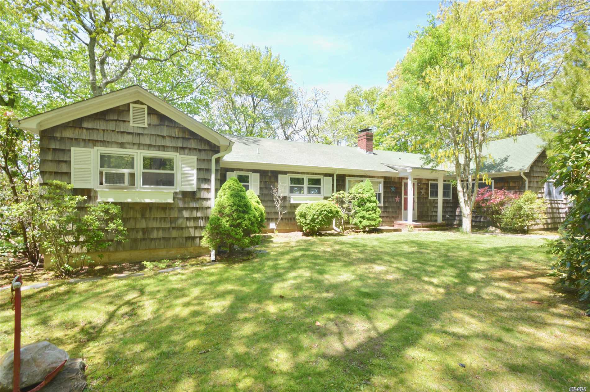 Photo of home for sale at 7447 Soundview Ave, Southold NY