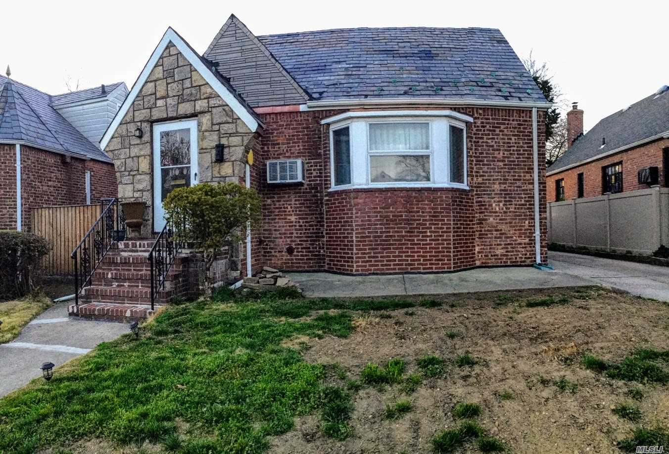 Photo of home for sale at 180-07 69th Ave, Fresh Meadows NY