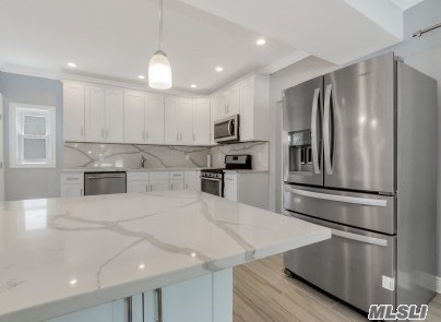 Photo of home for sale at 2984 Milburn Ave, Baldwin NY