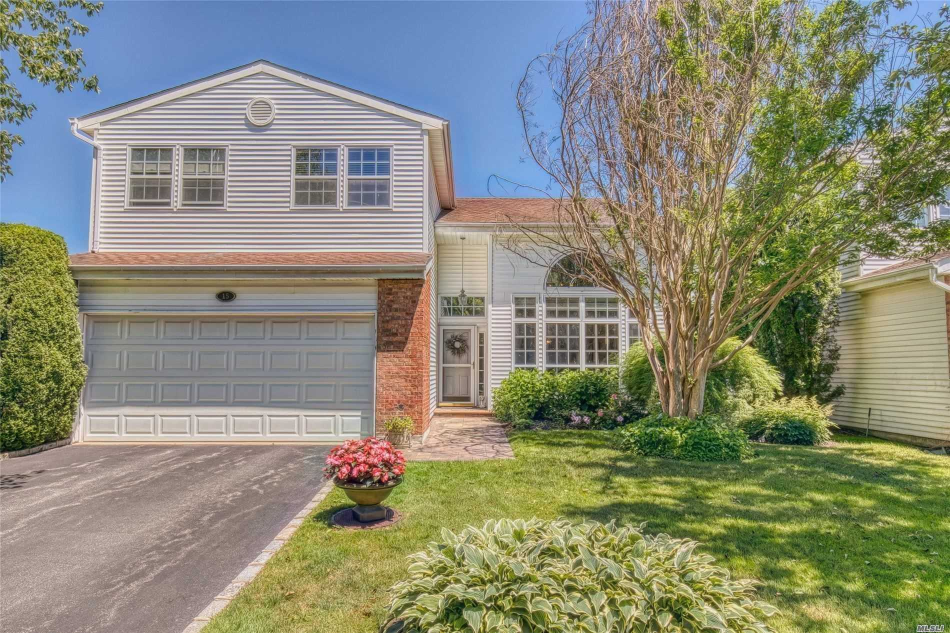 Property for sale at 15 Hamlet Dr, Commack,  New York 11725