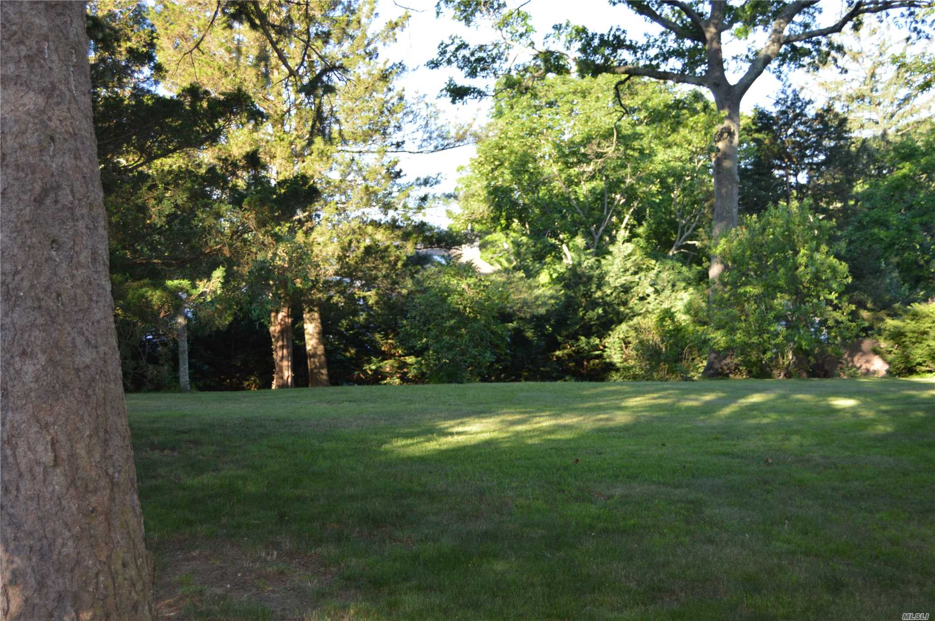 Photo of home for sale at Dogwood Rd, Rocky Point NY