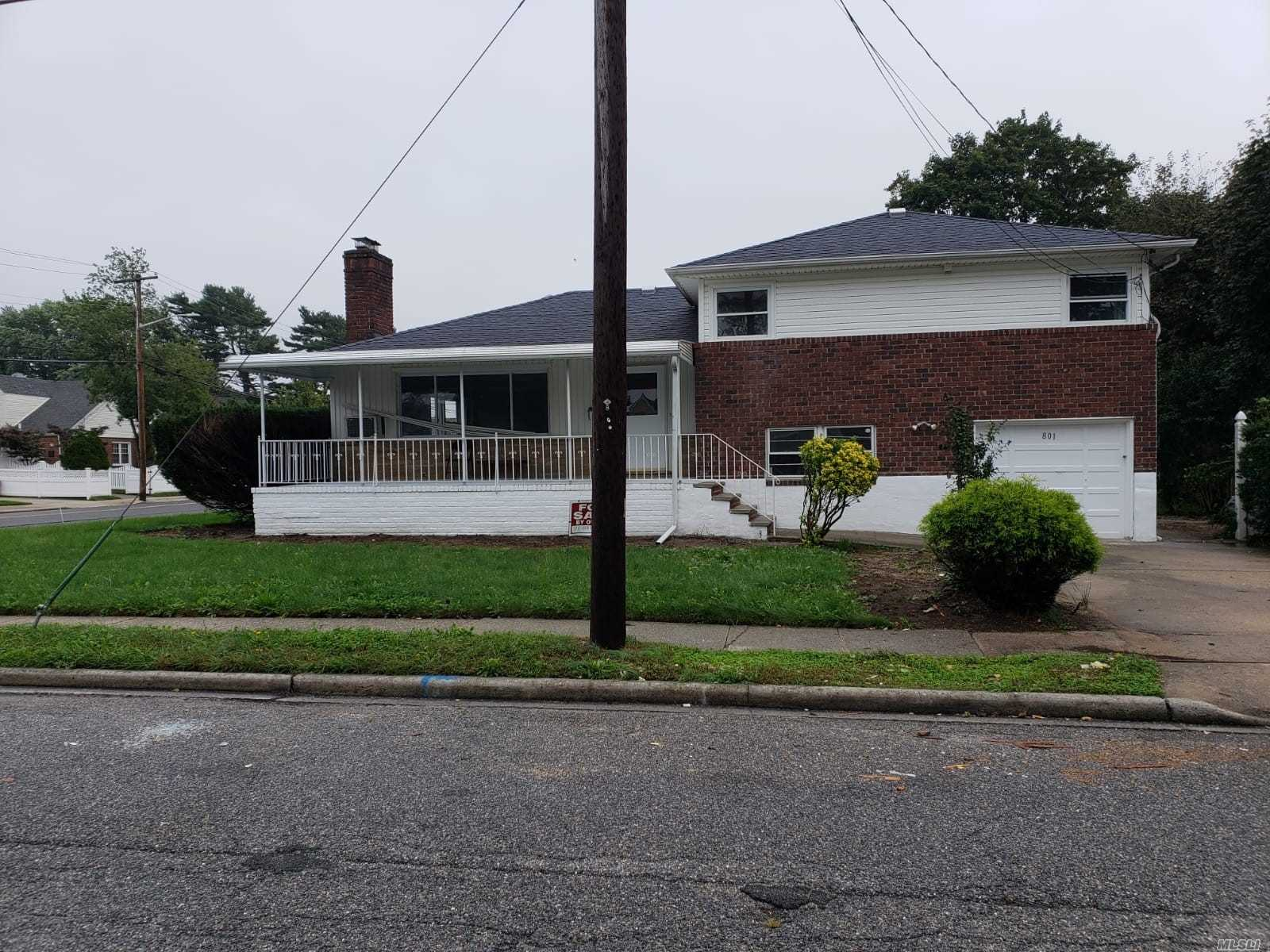 Photo of home for sale at 801 Arthur St, West Hempstead NY