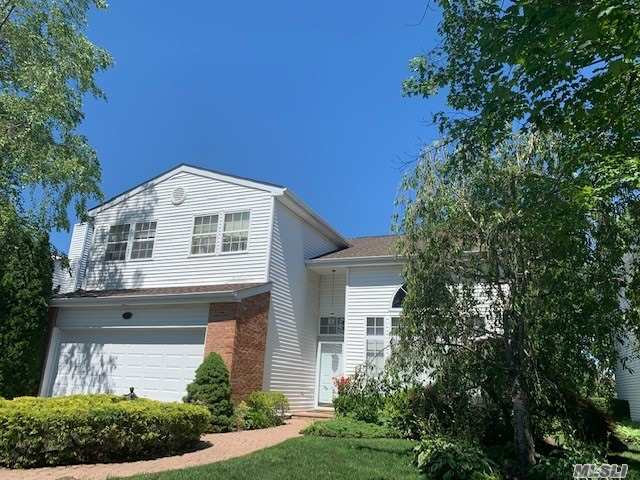 Property for sale at 27 Hamlet Dr, Commack,  New York 11725