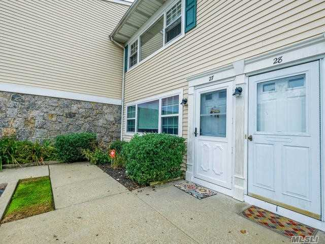 Photo of home for sale at 1 Atlantic Ave, Farmingdale NY