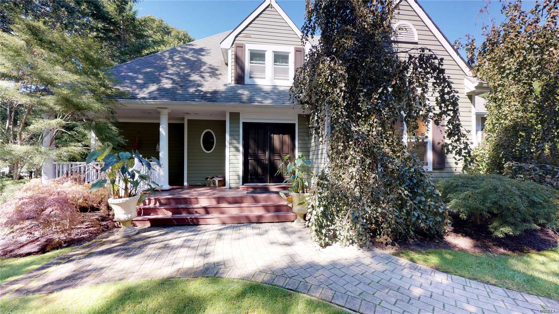 Photo of home for sale at 101 Lakeside Ln, Westhampton NY