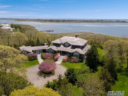 Photo of home for sale at 32 Penniman Point Rd, Quogue NY