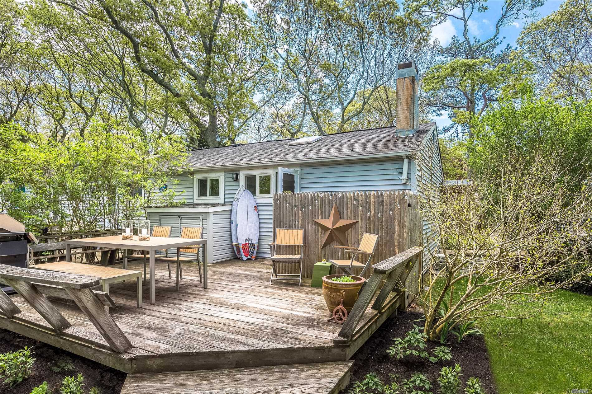 Photo of home for sale at 90 Springville Rd, Hampton Bays NY
