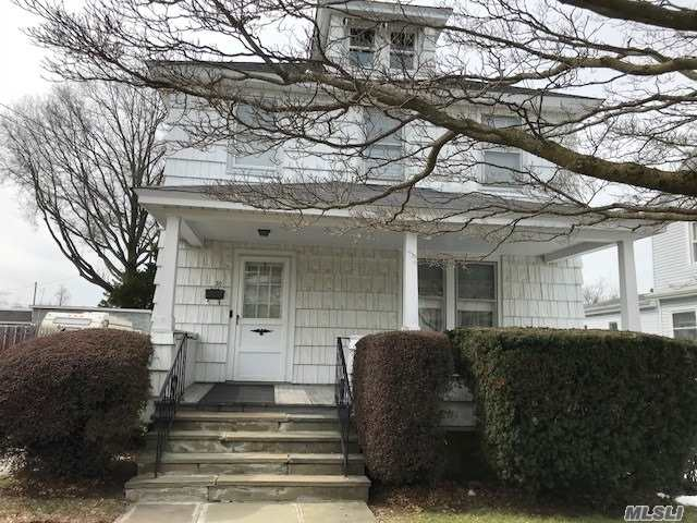 Photo of home for sale at 30 Nassau Ave, Glen Cove NY
