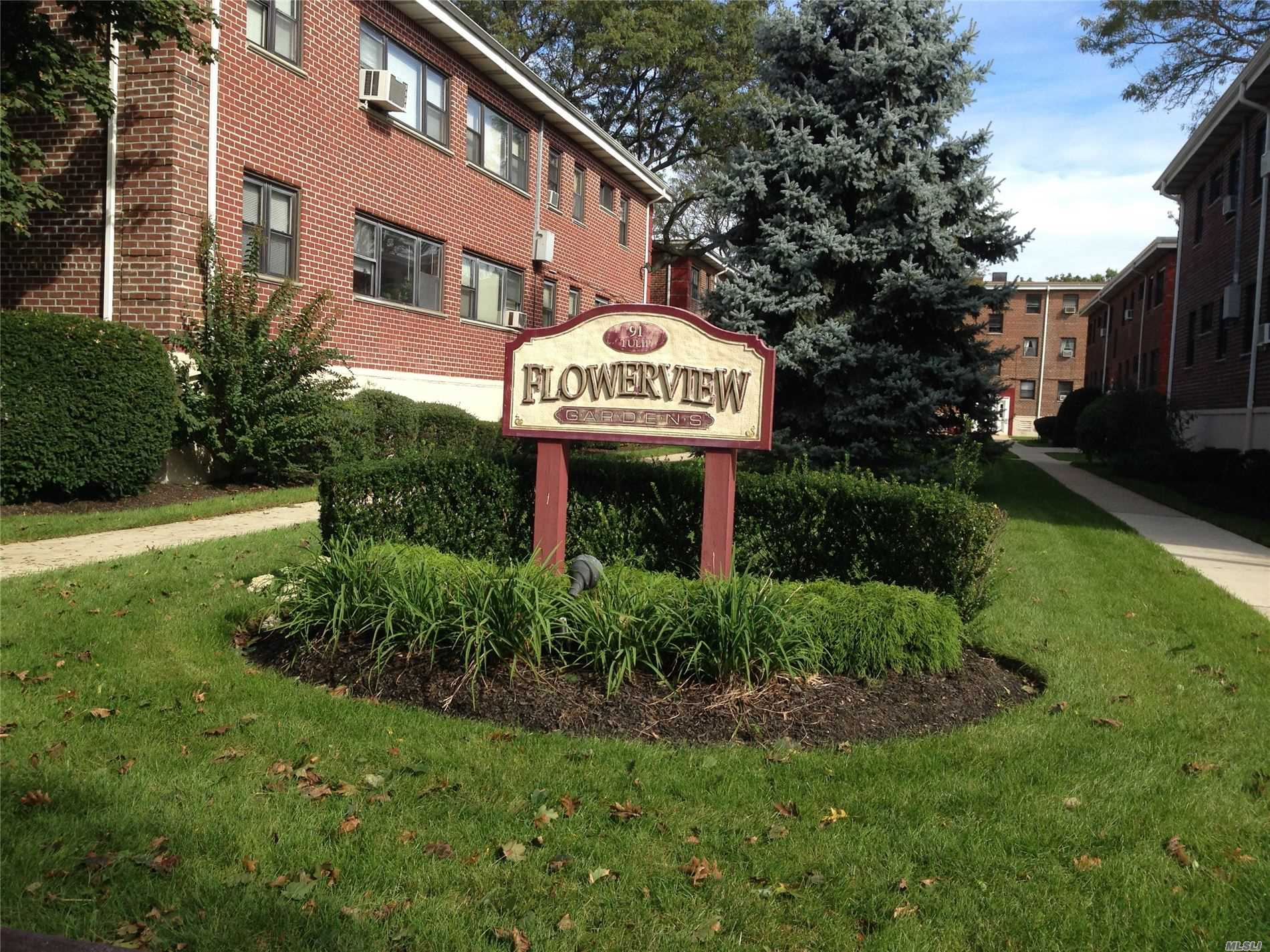 Property for sale at 91 Tulip Ave Unit HC4, Floral Park,  New York 11001