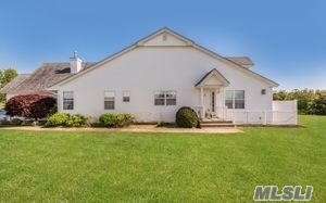 Property for sale at 51 Summerfield Ln, Riverhead,  NY 11901