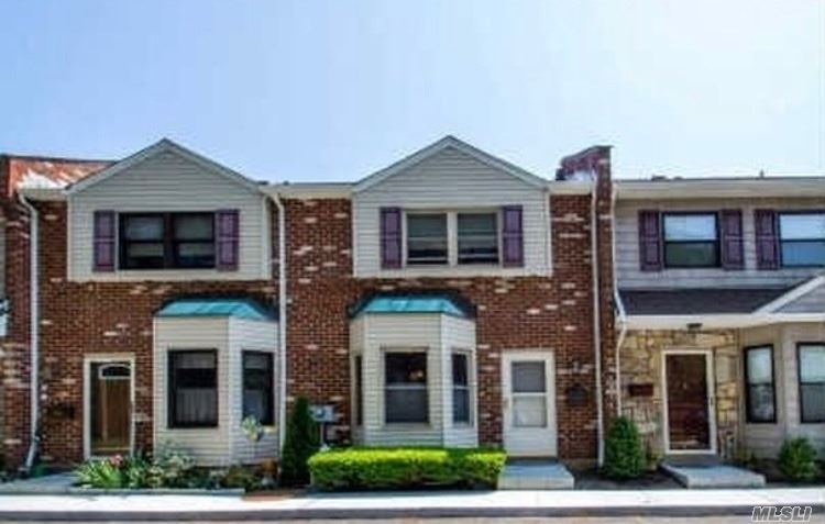 Property for sale at 2410 Farmers Ave, Bellmore,  NY 11710