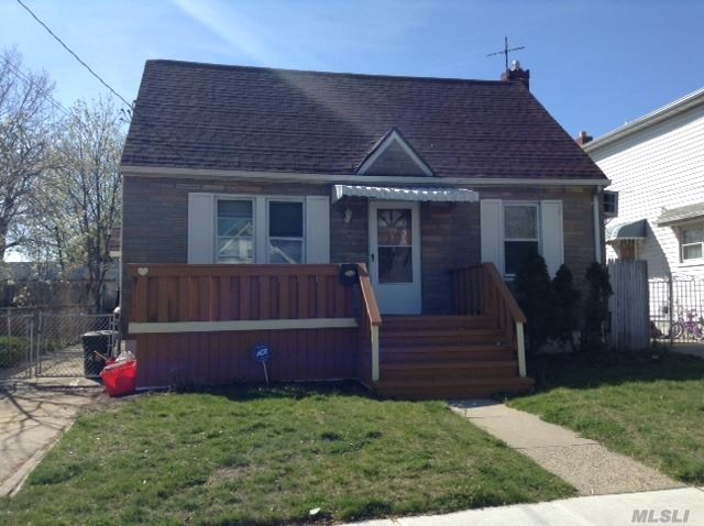 Photo of home for sale at 196 Franklin St, Elmont NY