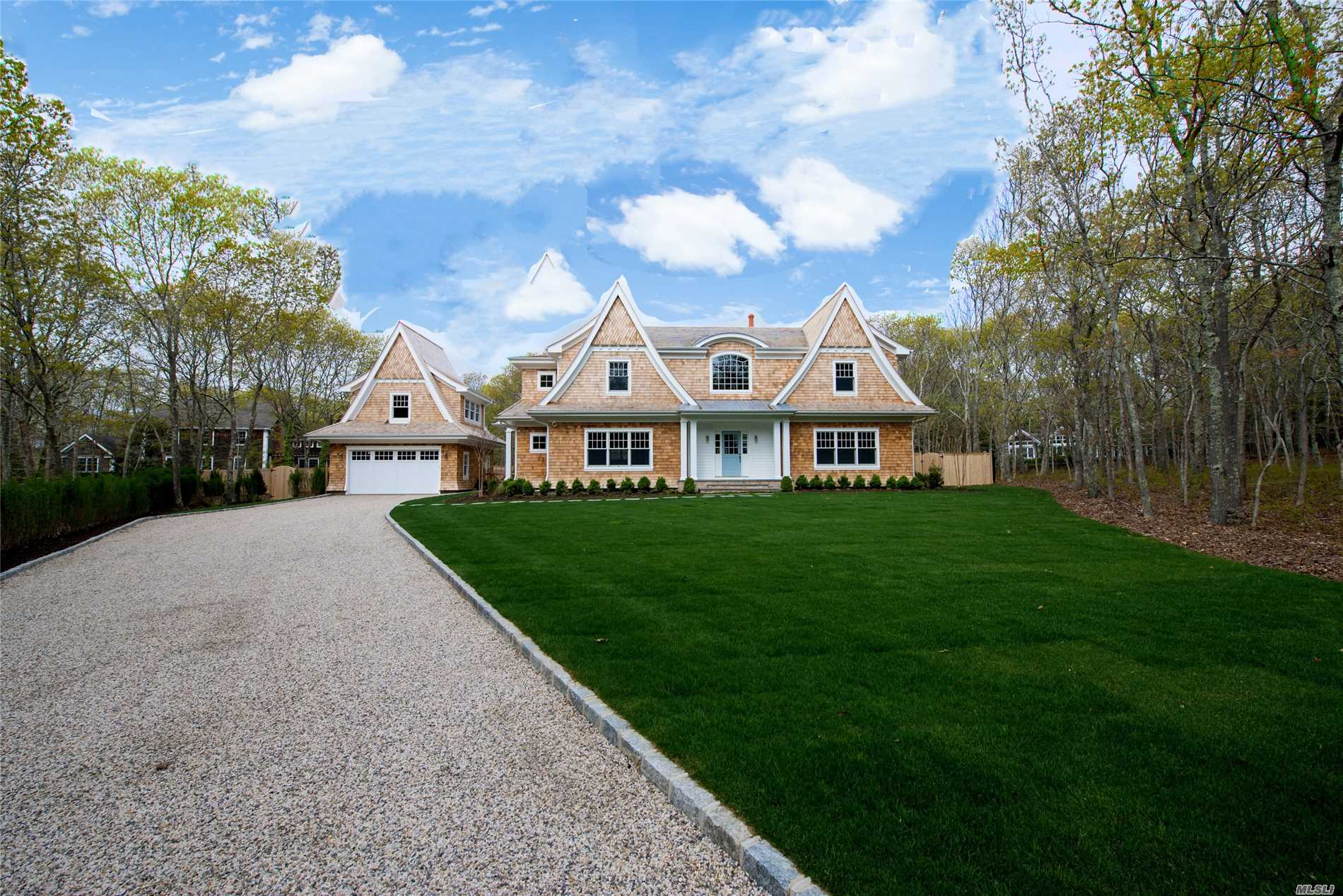 Photo of home for sale at 27 Surrey Ct, East Hampton NY
