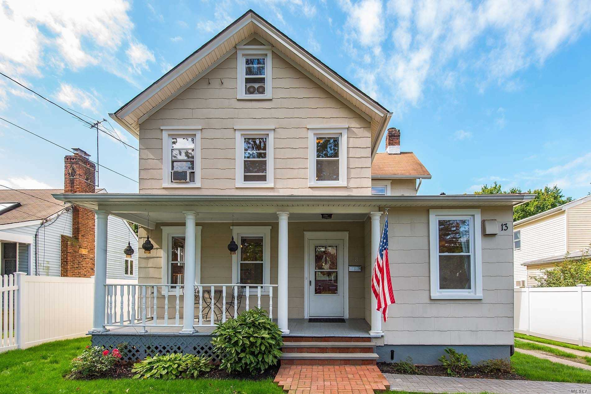 Photo of home for sale at 13 Crescent Beach Rd, Glen Cove NY
