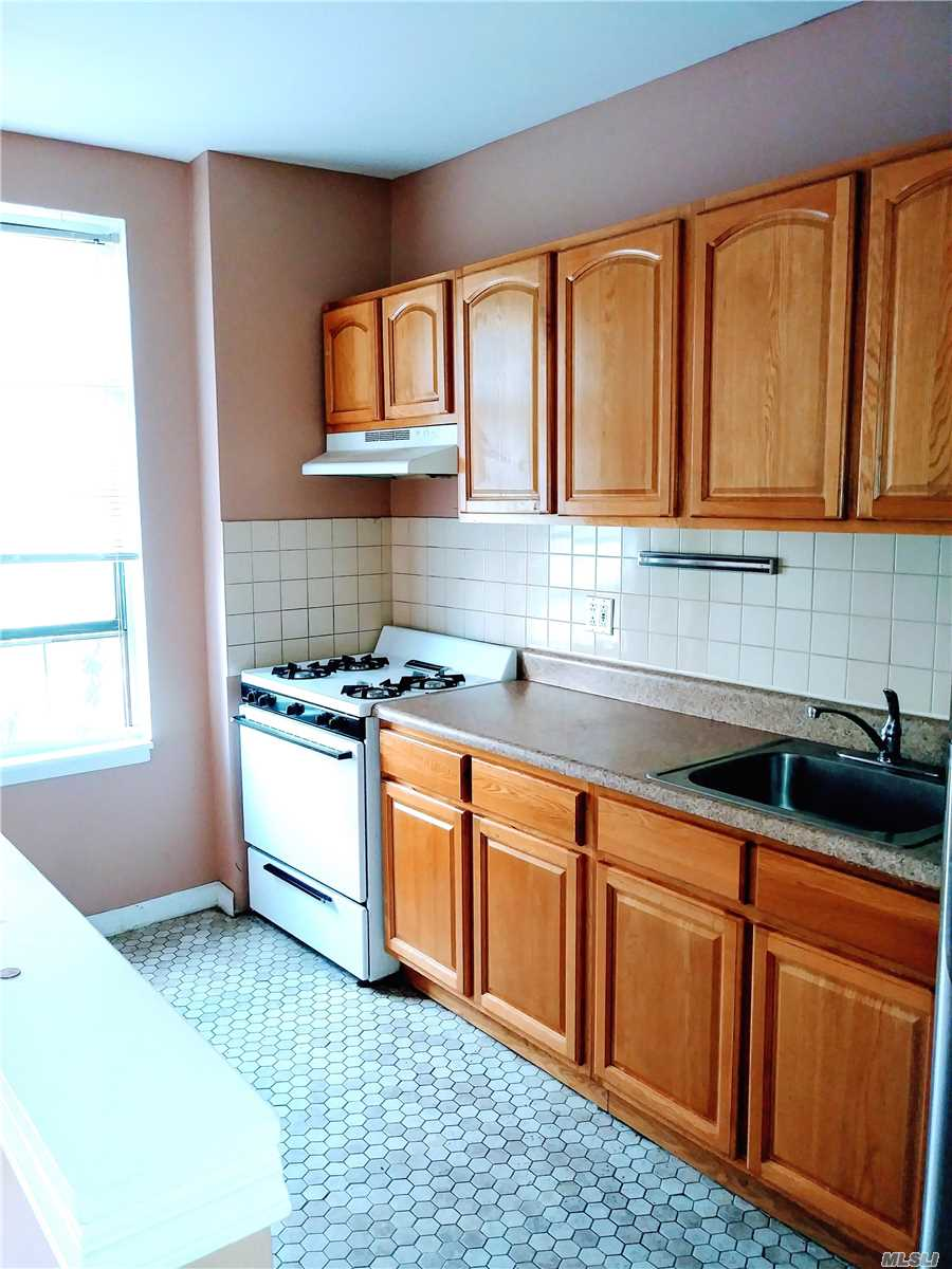 Photo of home for sale at 34-56 33rd St, Long Island City NY