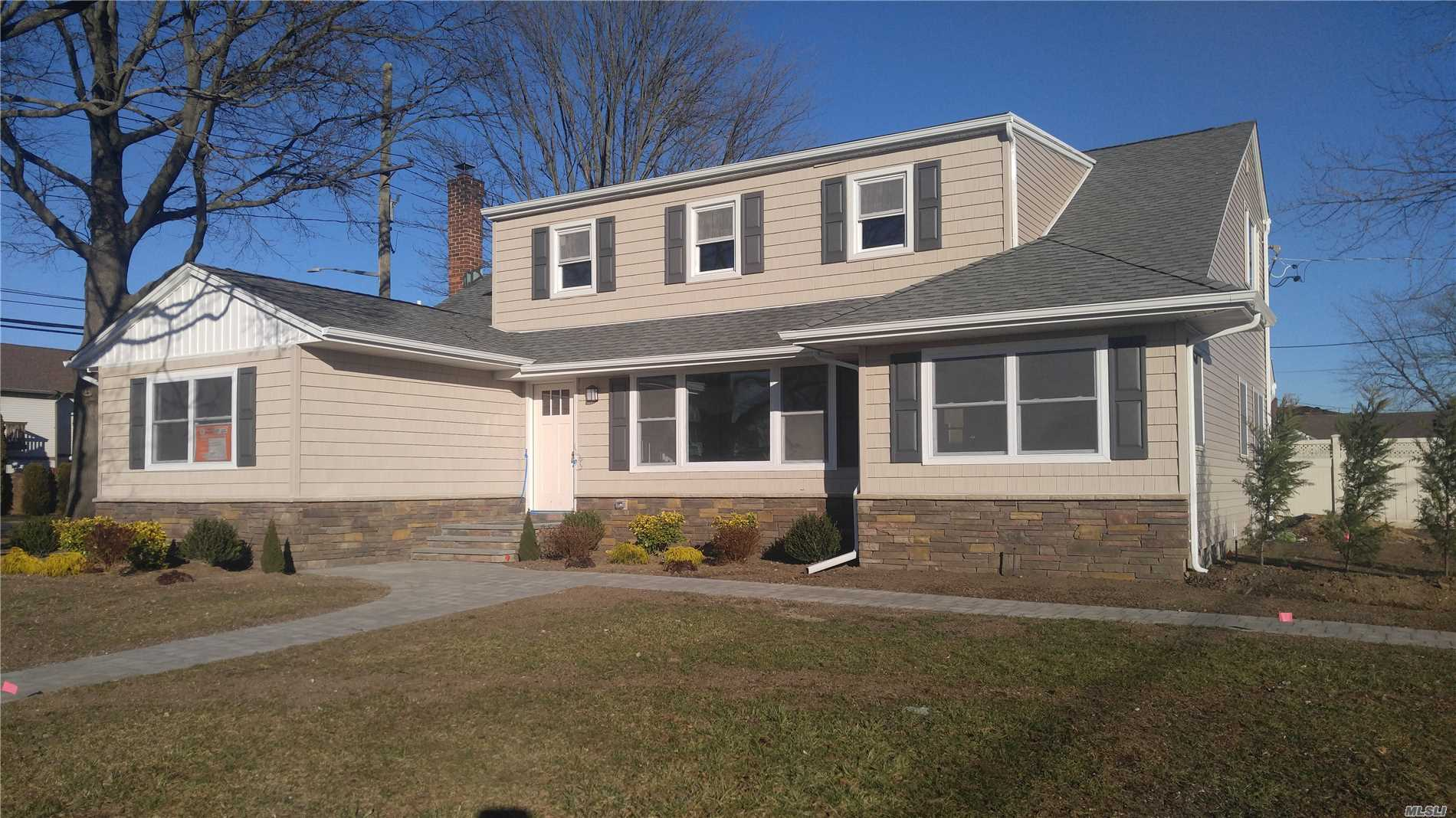 Photo of home for sale at 1201 Wisteria Rd, Wantagh NY