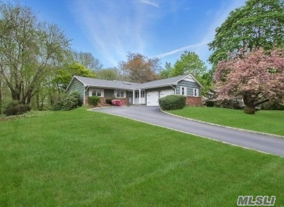Photo of home for sale at 27 Village Way, Smithtown NY