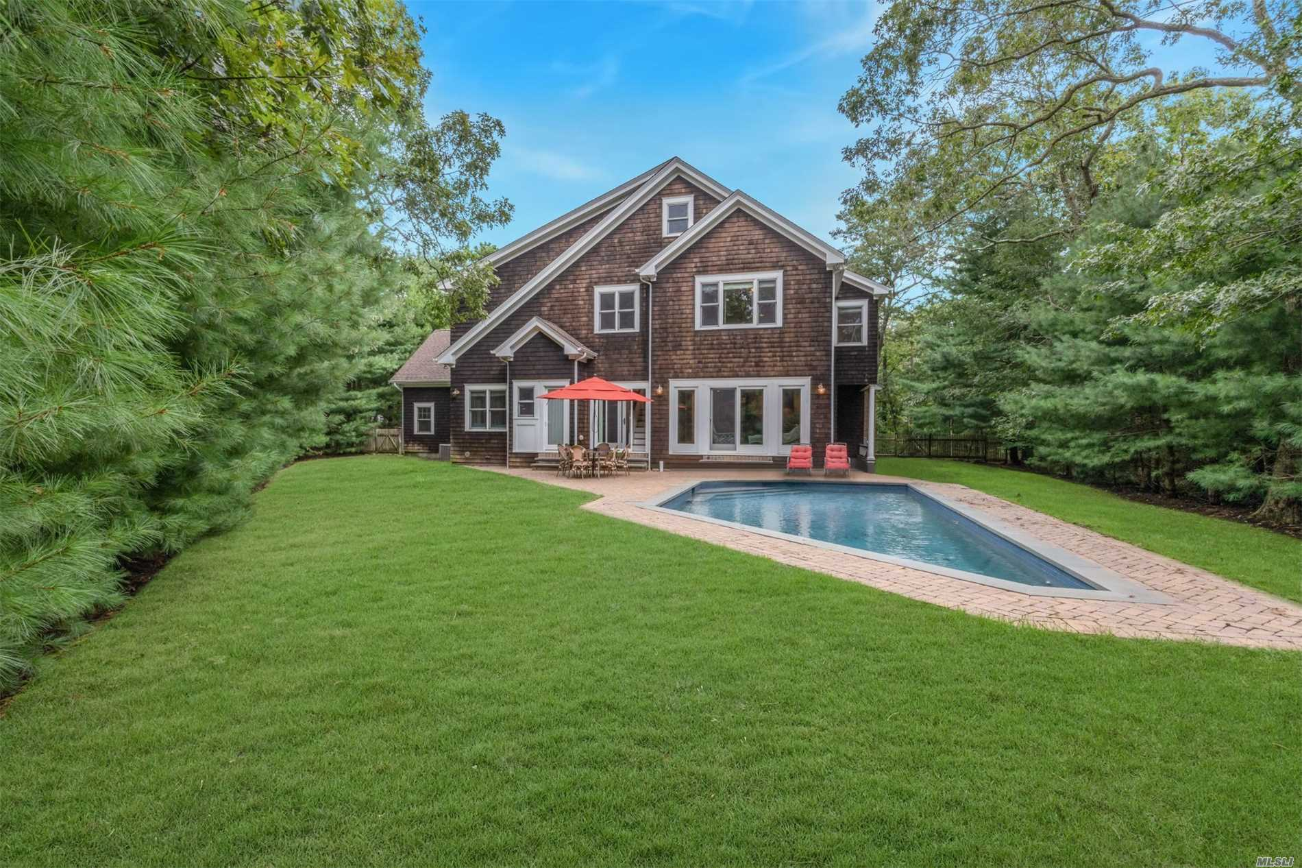 Photo of home for sale at 45 Old Depot Rd, Quogue NY