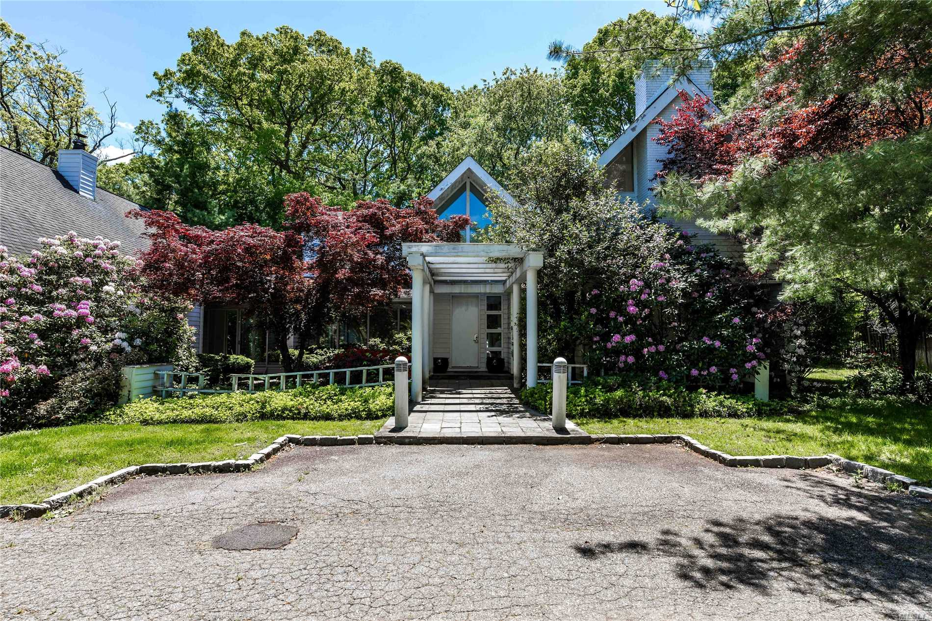 Property for sale at Old Westbury,  New York 11568
