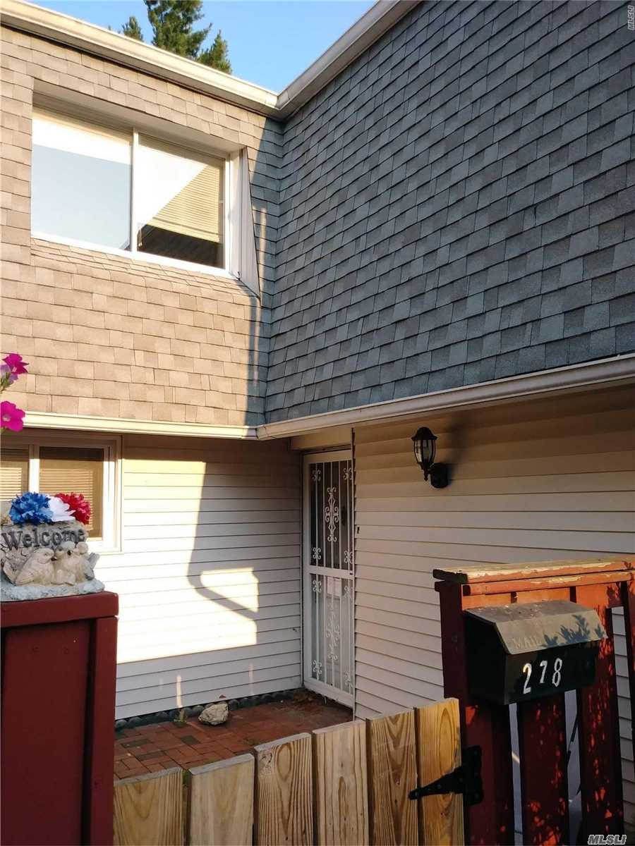 Property for sale at 278 Feller Dr, Central Islip,  NY 11722