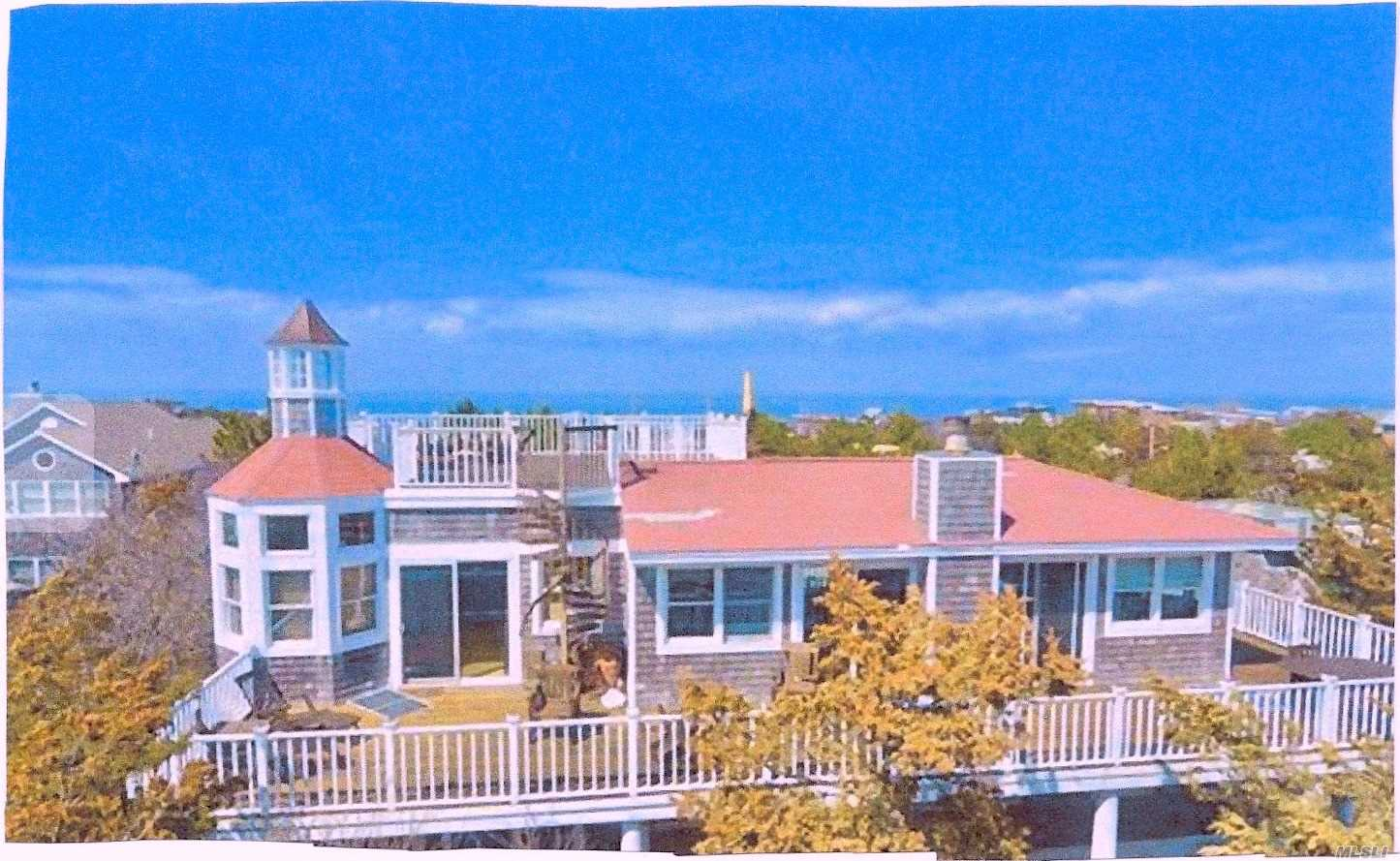 Photo of home for sale at 55 Midway Ave, Seaview NY