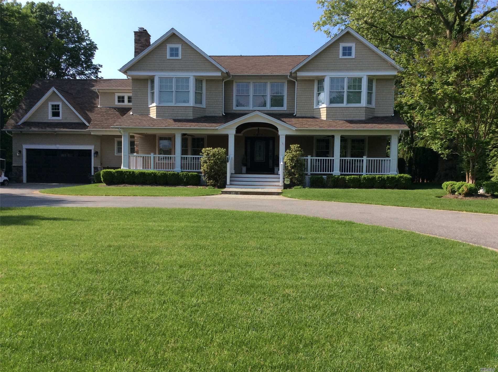 Photo of home for sale at 49 Percy Williams Dr, East Islip NY