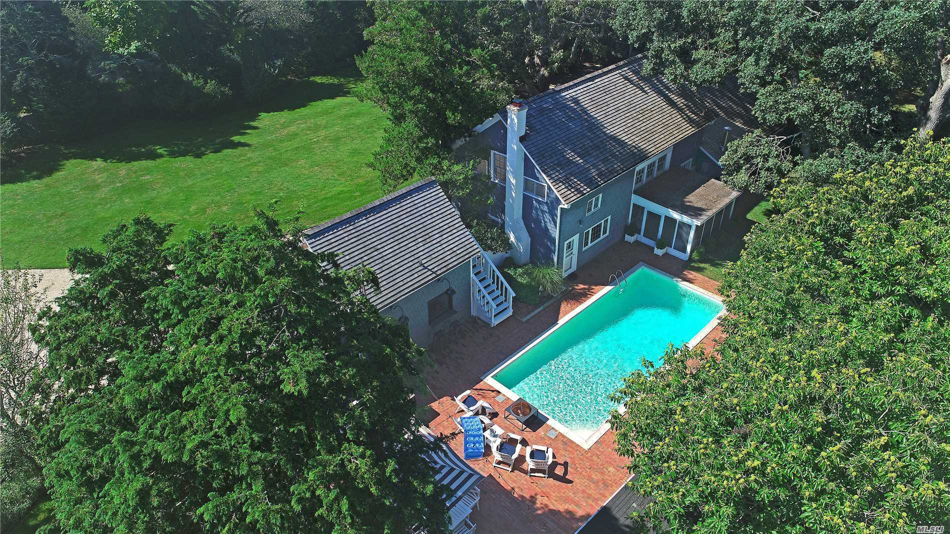 Photo of home for sale at 16 Quantuck Bay Ln, Westhampton Bch NY